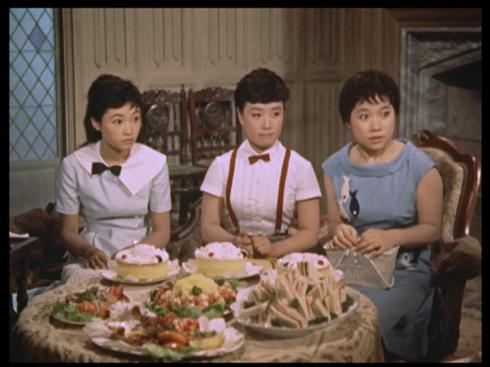 L-R: Izumi Yukimura, Hibari Misora, Chiemi Eri